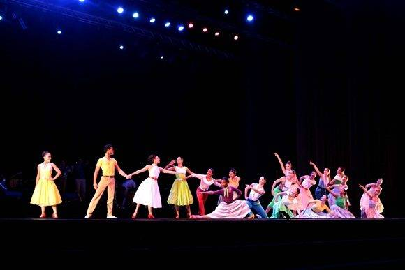 La apertura de la ceremonia inaugural estuvo a cargo de la compañía Habana Compas Dance