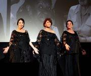 Eslinda Núñez, Daysi Granados y Mirta Ibarra trajeron a escena, junto a la compañía Lizt Alfonso, un fragmento del espectáculo Amigas.