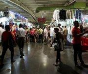 Artesanos, artistas y público de todas las edades se dan cita en FIART 2016. Foto: Ladyrene Pérez/ Cubadebate