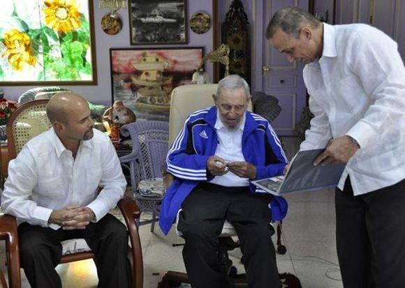 Fidel recibió a los Cinco, liberados tras cumplir injustas condenas en cárceles de EE.UU. Foto: Estudios Revolución.