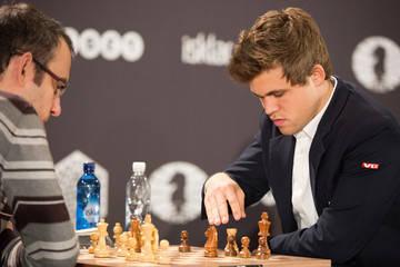 Leinier Domínguez y Magnus Carlsen. Foto tomada de ZImbio.