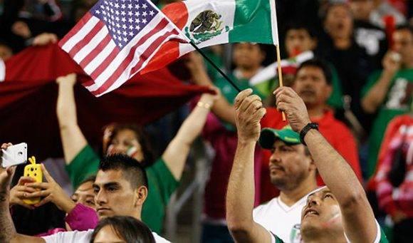 México y Estados Unidos ya tienen experiencias como organizadores de Mundiales de Fútbol masculino, sería la primera para Canadá y de aprobarse esta candidatura la primera de tres países. Foto: AFP.