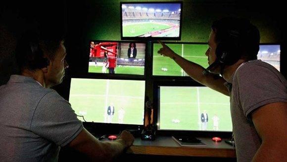 Los VARs podrán ver todos los canales de transmisión. Foto: FIFA.