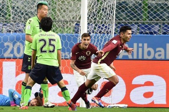 Silvio Romero celebra uno de sus goles ante Jeonbuk Hyundai. Foto: AFP.