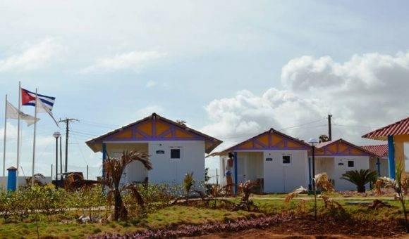 Villa Punta de Maisí, instalación que nació gracias a la recuperación que se lleva para definitivamente borrar las desvastadoras huellas de Matthew. Operada por la cadena IslaAzul, se puede reservar también en las oficinas de Campismo. Foto: Rodney Alcolea Oliveras / Facebook.