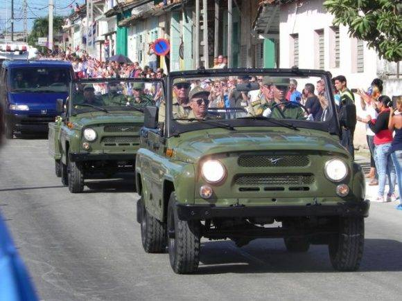 Fidel - El paso de la Caravana