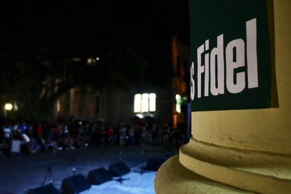 El ultimo tributo a Fidel desde la UH. Foto: Darío Gabriel Sánchez