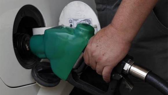 El gasolinazo preocupa a la mayoría de los mexicanos, que acostumbran a trasladarse por carretera. Foto: Luis Humberto González/ La Jornada.