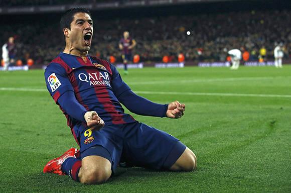 Luis Suárez celebra uno de sus tantos goles. Foto: Reuters.