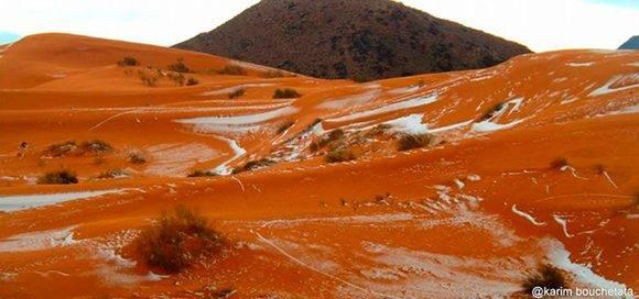 La nieve en el Sahara parace un fenómeno sobrenatural, pero tiene una explicación científica. Foto: Karim Bouchetata/ Twitter.