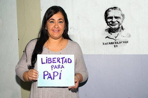 El pueblo puertoriqueño logró sobrepasar las 100,000 firmas para reclamar la excarcelación del prisionero político puertorriqueño Oscar López Rivera. Foto: Cortesía del Autor.