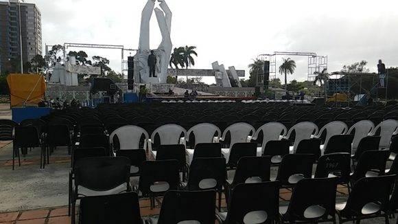 La Plaza de la Revolución Ignacio Agramonte Loynaz está lista para recibir hoy el cortejo fúnebre . Foto: Orlando Seguí Aguilar