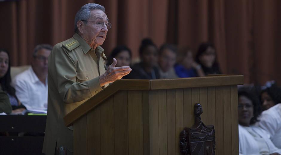 Raúl Castro: El mejor monumento a Fidel es hacer realidad el concepto Revolución (+ Fotos)