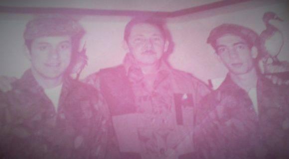 Raúl con el presidente de la FEU y presidente de la FEEM. Diciembre de 1972. Pinar del Río.