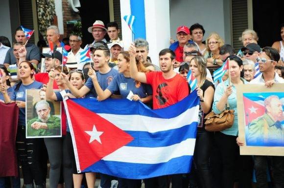 El pueblo rinde tributo en la Plaza Serafín Sánchez de Sancti Spíritus a Fidel
