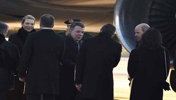 Presidente colombiano en Oslo para recibir Premio Nobel de la Paz