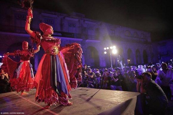 Síntesis celebra su aniversario 40 en la Plaza de la Catedral. Foto: Gabriel Guerra Bianchini.