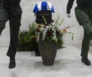 Las cenizas de Fidel reposan unas horas en la Plaza Ignacio Agramonte  Foto: Ladyrene Pérez/ Cuba