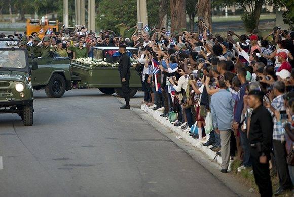 Recorrido de la caravana #TributoAFidel por las provincias cubanas. Foto: Ladyrene Pérez/Cubadebate