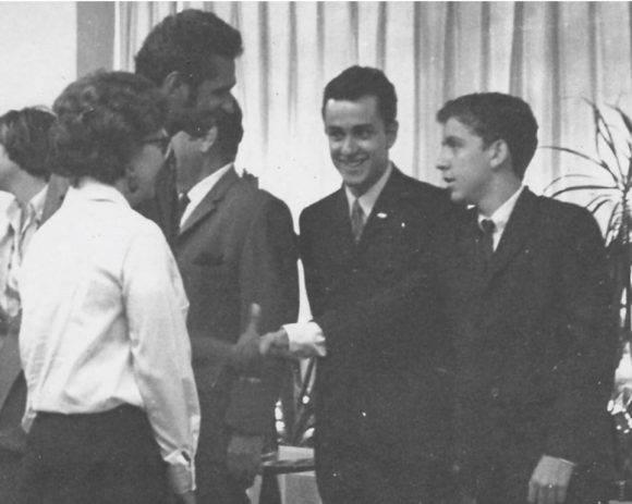 Con el Subdirector de la UNESCO, presidentes de la FEU y de la FEEM. Mayo 1971.