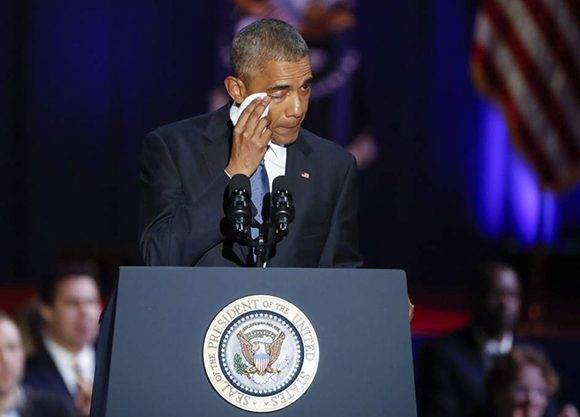 Obama se mostró preocupado y emocionado en su despedida. Foto: EFE.