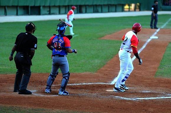 Delgado despachó un vuelacercas enorme, pero luego no pudo aportar a la defensa. Foto: Katheryn Felipe/Cubadebate