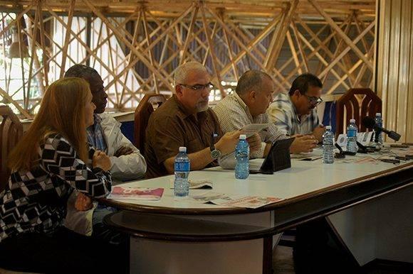 conferencia-de-prensa-inder-expocuba-1