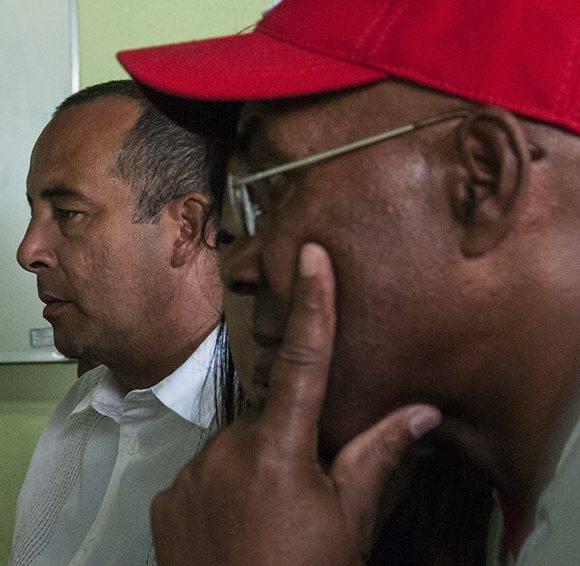 Carlos Luois y Yovani Aragón responden a las dudas de nuestros lectores en el Foro Debate. Foto: L. Eduardo/ Cubadebate.