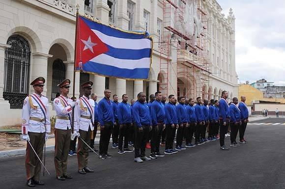 Ceremonia de abanderamiento al equipo de béisbol de la provincia Granma, que representará a Cuba en la Serie del Caribe, a desarrollarse en Culiacán, México, efectuada en el Memorial Granma, en La Habana, Cuba, el 30 de enero de 2017. ACN FOTO/Omara GARCÍA MEDEROS/ogm