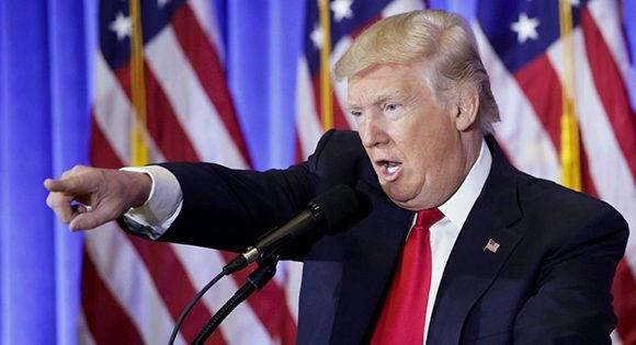 """El presidente electo se refirió a varios reporteros como creadores de """"noticias falsas"""". Foto: Justin Lane/ EFE."""