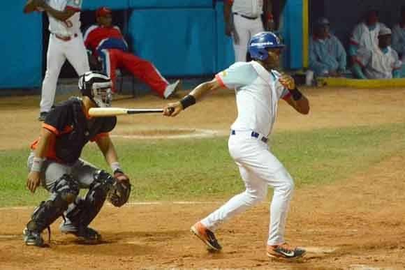 Edilse Silva bateó de 4-3 con dos impulsadas. Foto: ACN/ Osvaldo Gutiérrez.