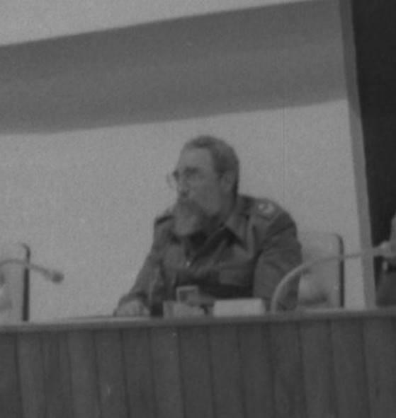 Fidel durante su histórico discurso pronunciado el 12 de marzo de 1988, en el primer Consejo Nacional de la Asociación Hermanos Saíz. Foto: Archivo Periódico Juventud Rebelde.