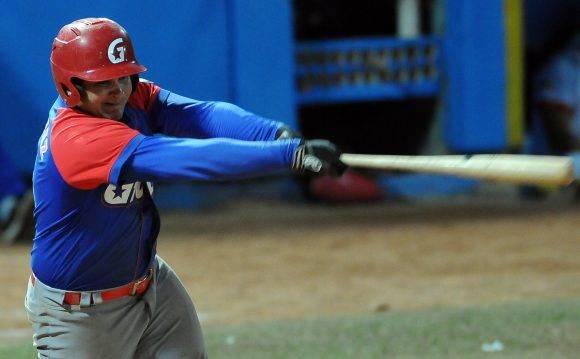 Beisbol-Serie-56-Final-CA vs GRM Segundo juego , Carlos Benitez. Foto: Ricardo López Hevia / Granma / Cubadebate