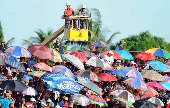 La afición granmense repletó el Martires de Barabados parar el juego final, 22 de enero de 2016. Foto: Ricardo López Hevia / Granma / Cubadebate