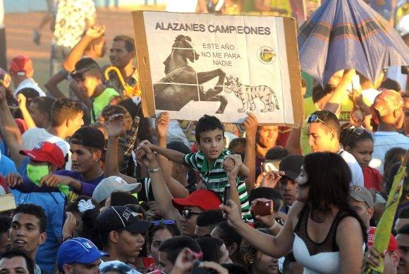 La afición granmense disfrutó de lo lindo.  Foto: Ricardo López Hevia / Granma / Cubadebate