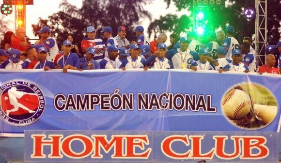 Premiación de los Campeones. Foto: Ricardo López Hevia / Granma / Cubadebate