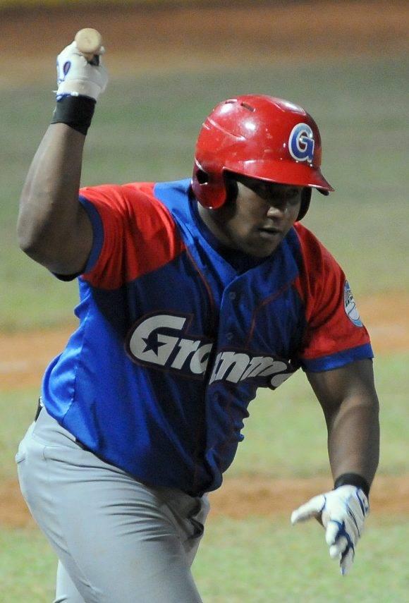 Beisbol-Serie-56-Final-CA vs GRM primer juego Jonron de Alfredo Despaigne. Foto: Ricardo López Hevia / Granma / Cubadebate