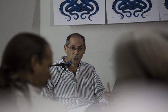Jorge Fornet, director del Centro de Investigaciones Literarias de Casa de las Américas y reconocido ensayista cubano, en la presentación del programa y el jurado del Premio Casa de las Américas 2017. Foto: L Eduardo Domínguez/ Cubadebate