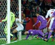 El Sevilla celebra tras el autogol de Ramos. Foto: Marca