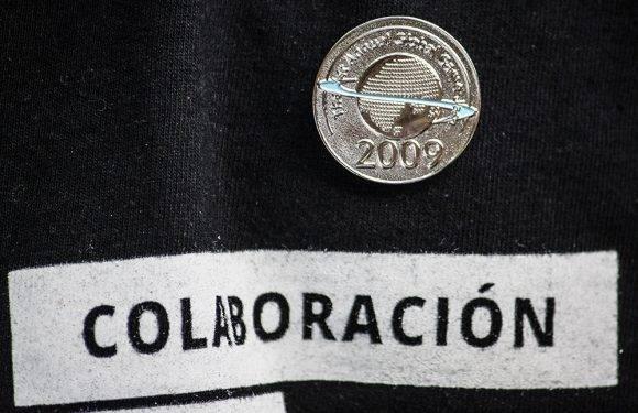 La medalla que entrega la Global Game Jam, de su primera edición en 2009. Foto: L Eduardo Domínguez/ Cubadebate