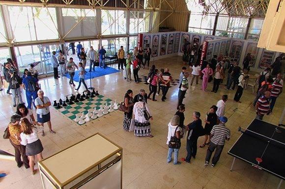 En el acto de inauguración estuvieron presentes además glorias del deporte y una representación del pueblo cubano. Foto: Cinthya García Casañas /Cubadebate.