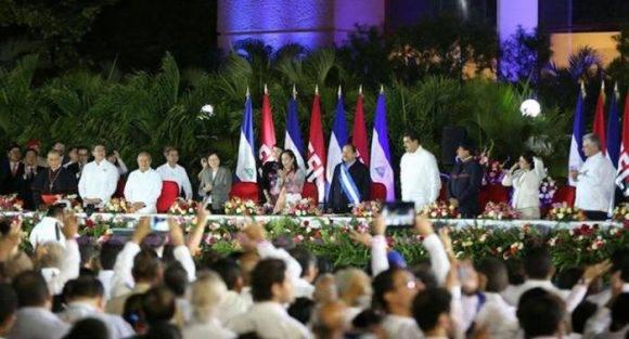 Nicolás Maduro, Evo Morales y Miguel Díaz-Canel (del centro a la derecha), entre los participantes en la toma de posesión de Daniel Ortega.  Foto: el19digital
