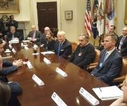 Trump reunidos con los CEO de Ford, General Motors y Fiat Chrysler. Foto: Casa Blanca