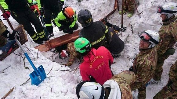 Concluye las labores de rescate en hotel.