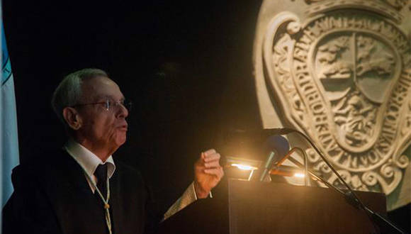 Eusebio Leal Spengler, Maestro Mayor del Colegio de San Gerónimo de La Habana, durante su intervención en el Acto por el 289 Aniversario de la Fundación de la Universidad de La Habana, en el Colegio Universitario San Gerónimo de La Habana, Cuba, el 5 de enero de 2017. ACN FOTO/ Diana Inés RODRÍGUEZ RODRÍGUEZ/ rrcc