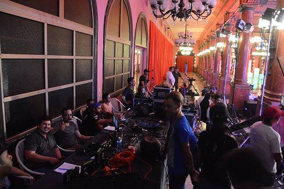 Equipo de producción de Bailando en Cuba. Foto: Página en Facebook de Bailando en Cuba.