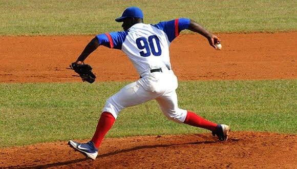 Noelvis Entenza tratará de extender el playoff al séptimo juego. Foto: Katherine Felipe/ Cubadebate.
