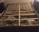 Las autoridades creen que los US$20 millones encontrados en la cama tienen que ver con Telexfree. Foto: @DMAnews1