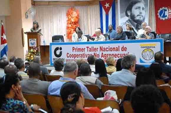 En Cuba; Primer Taller Nacional de Cooperativas No Agropecuarias