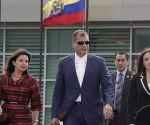 Correa durante su estancia en el Aeropuerto Internacional Mariscal Sucre, ubicado en la capital ecuatoriana. Foto: El Ciudadano.